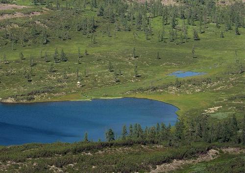 озеро - исток реки Лена